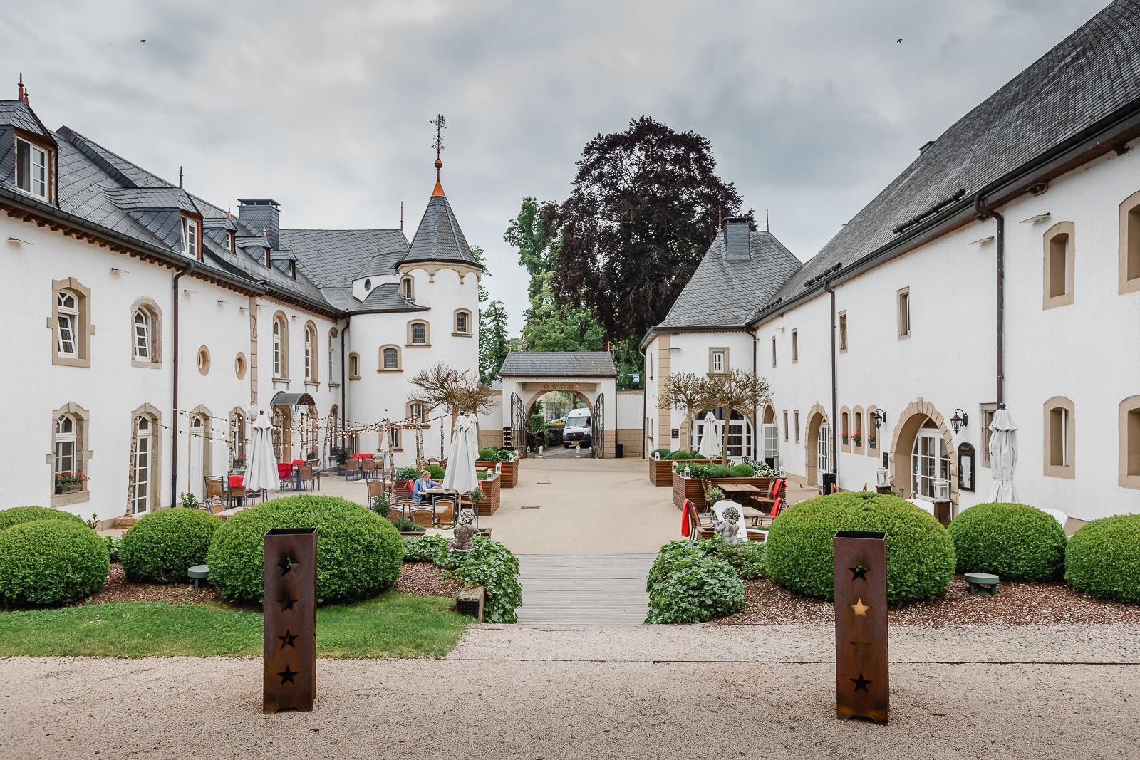 Chateau d'Urspelt courtyard